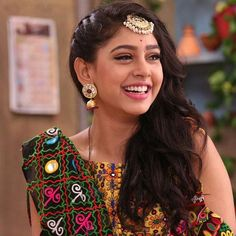 You give life to what you give energy to.💫 One last time- watch shivani today on life ok at Girls Dp, Cute Girls, Niti Taylor, Stylish Girl Images, Hair Color For Black Hair, Girls Image, New Girl, Beautiful Actresses, Indian Beauty