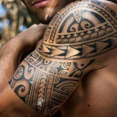 Maori tattoos on the upper arm - what significance do the Polynesian signs have? Maori tattoos on the upper arm - what significance do the Polynesian signs have? Maori Tattoos, Maori Tribal Tattoo, Maori Tattoo Frau, Types Of Tribal Tattoos, Maori Tattoo Meanings, Filipino Tattoos, Maori Tattoo Designs, Samoan Tattoo, Unique Tattoos