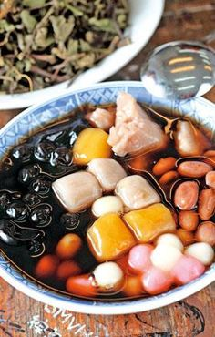 Taiwanese dessert - the best! Asian Desserts, Asian Recipes, Chinese Recipes, Thai Recipes, Sweet Soup, Clean Eating Soup, Taiwanese Cuisine, Taiwan Food, Eating Organic