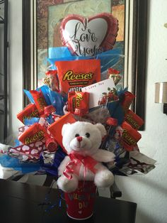Valentines Day Reases candy bouquet