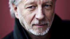 Stefan Hertmanswint donderdagavond de AKO Literatuurprijs 2014 met zijn boekOorlog en terpentijn.