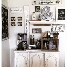 Small kitchen corner coffee bar DIY idea - love the farmhouse style and decor of this rustic coffee bar