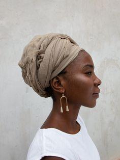 African Hairstyles, Scarf Hairstyles, Bandanas, Hair Inc, African American Artwork, African Head Wraps, Turban Style, Linen Bag, Black Power