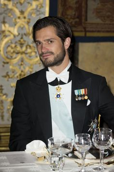 £/ Swedish Prince Carl Philip at the gala dinner table in Stockholm on Prince Carl Philip, Swedish Royalty, Handsome Prince, Danish Royal Family, Danish Royals, Royal Engagement, Gala Dinner, Victoria And Albert, Blue Bloods