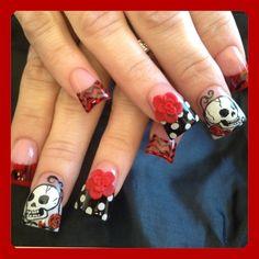 Skulls and roses - Nail Art Gallery