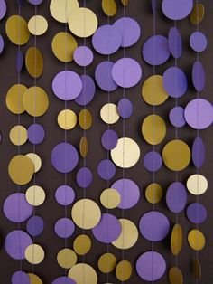 Purple and gold paper garland -- an easy way to add a touch of school spirit to your dorm room. #SFSU
