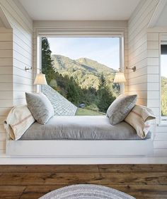 Daybed under window. now this is the dream (window seat bed). And perfect reading nook. Home Design, Luxury Interior Design, Interior And Exterior, Design Ideas, Interior Ideas, Luxury Decor, Room Interior, Farmhouse Interior, Design Design