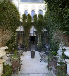 Hazz garden - A chic pension in Istanbul.