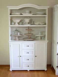 I need a white hutch like this to store my pretty pieces!