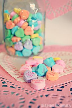 Inspire Bohemia: Strawberry Cupcake Recipe + Valentine's Day Crafts and Decorating. Valentines Day Tablescapes, Valentine Day Crafts, Strawberry Cupcake Recipes, Business Design, Garden Design, Miami, Cactus, Inspire, Seasons
