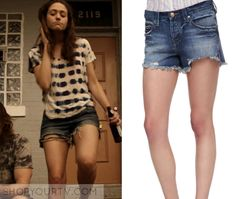 Fiona Gallagher (Emmy Rossum) wears these dark wash denim cut off shorts in this episode of Shameless. They are the Free People [...]