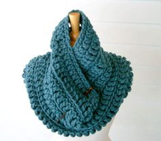Rowan Big Wool Black Hole Cowl,  free pattern