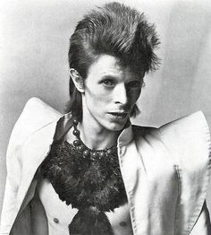 Jacket is EVERYTHING! David Bowie in 1973 as Ziggy Stardust.