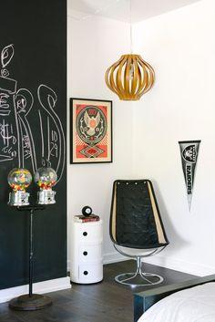 eclectic, black/white kids' room decor