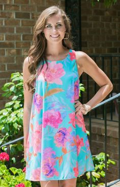 So fun and free! Everly DR5934MUL Mint Mix Sundress features a gorgeous floral print and a flattering cut. The top is fitted and bra friendly. The skirt is loose through the stomach and hips!