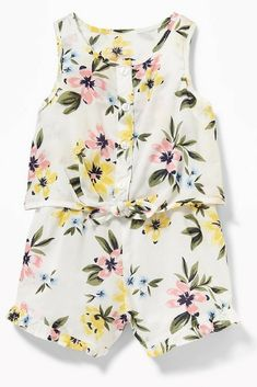 White Floral Patterned 2-in-1 Ruffled Romper. So perfect for summer! #ad #oldnavy #ruffledromper