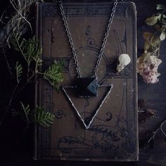 » mysterious women » untamed » one with nature » magical » free your wild » pagan » medium » enchanting » the old ways » spells » fortune »