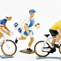 modèle bleu (ref. 6857-001). Echelle 1/32e. En alliage de plomb et d'étain Sports, Blue, Outfit, Hs Sports, Sport