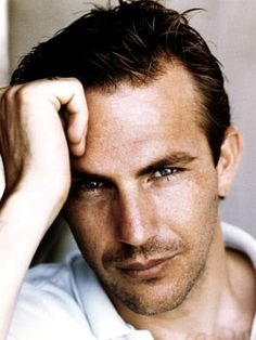 Kevin Costner was a king in the 90's... and for obviously good reason!