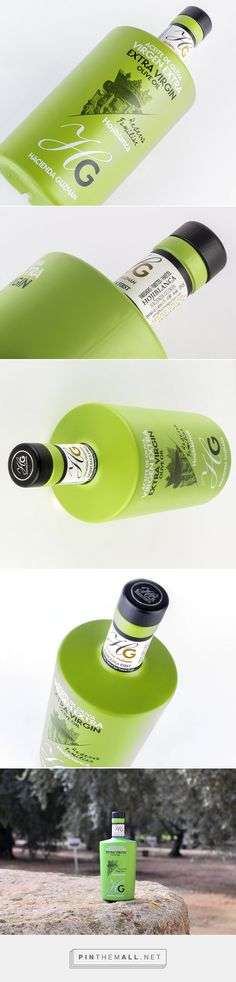 HOJIBLANCA HG - Extra Virgin #OliveOil #packaging designed by Centralpack - http://www.packagingoftheworld.com/2015/03/hojiblanca-hg-extra-virgin-olive-oil.html
