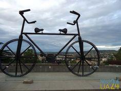 Велосипед с двумя рулями, или Грузия сегодня (фото)  http://www.news24ua.com/velosiped-s-dvumya-rulyami-ili-gruziya-segodnya-foto