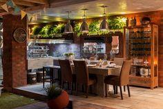 Varanda Gourmet Rústica de Tijolo com Samambaias Home Vegetable Garden, Best Places To Live, Growing Herbs, Indoor Plants, Lounge, Interior Design, Architecture, Cassie Ventura, Furniture