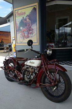 インディアンレッドのレトロ感は最高!インディアンバイクの画像
