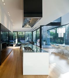 Window and the ceiling look really cool. Is this type of house constructable...?