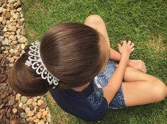 WEBSTA @ casamarcelamartinez - Detalhe do Coque da Bailarina Duda 💗👸🏼🌸 #inlove #penteado #coque #bailarina #princess #princesa #diva #divamirim #casamarcelamartinez #casadasdivas