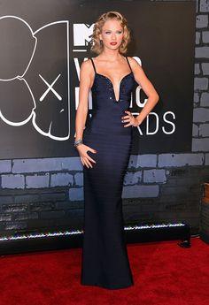 Taylor Swift at the 2013 #VMAs. #fashion