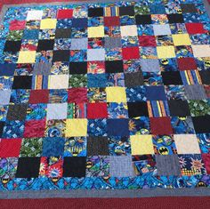 Queen size Batman quilt by 4quiltsandmore on Etsy. Want!!!