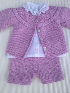 aquí el jersey con el pantalón hecho en agujas rectas, también en el canal, tutorial puntomoderno.com pantalón básico de bebé sobre agujas rectas, español english pattern, #diy
