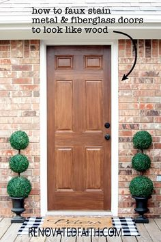 Tired of having an ugly metal or fiberglass front door? The entrance of your home is the first impression which makes painting wood grain on a steel door a budget-friendly way to upgrade - if it's done right! This easy step-by-step tutorial with video will show you how to make a metal door look like stained wood with latex paint samples and glaze! This process is also great for interior doors, fiberglass doors and even garage doors. Also, you can apply a more rustic farmhouse other shades Painting Metal Doors, Painted Doors, Steel Doors, Wood Doors, Interior Doors, Interior Paint, Farmhouse Furniture, Diy Furniture, Home Renovation