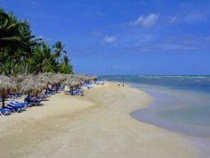 Gran Bahia Principe Punta Cana beach - World Traveled Family Samana, Punta Cana Hotels, Punta Cana Beach, Vacation Destinations, Vacation Spots, Villas, La Romana Dominican Republic, Places To Travel, Places To See