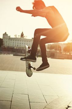 (Open rp) I skate down the street and go to the park. I start some tricks as someone walks up. -Matt