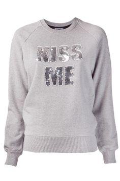 Markus Lupfer Kiss Me Sweatshirt Markus Lupfer, Kiss Me, Crew Neck, Graphic Sweatshirt, Sweatshirts, Long Sleeve, Sweaters, Cotton, Clothes