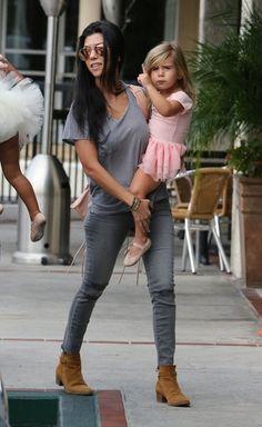 Kourtney Kardashian Photos - Kourtney Kardashian Takes Penelope and North to Ballet - Zimbio
