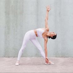 65c51d0359 @headstandsandheelsextending her triangle pose in her all white Alo Yoga  look! She is featured