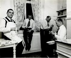 +~+~ Vintage Photograph ~+~+ Apparently even mafia men wear aprons when they cook ; Real Gangster, Mafia Gangster, Italian Mobsters, Big Ang, La Confidential, Mafia Families, Life Of Crime, Al Capone, Vintage Photographs