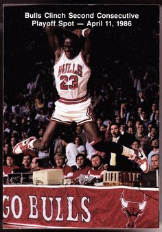 1986-87 CHICAGO BULLS OFFICIAL BASKETBALL POCKET SCHEDULE JORDAN ON BACK COVER #SCHEDULE