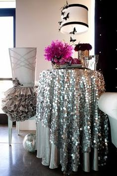 Anything with GLITTER , SPARKLE and SHINE I'm in love with! I'm am just fine jumping on the glitter bandwagon. Flyer Inspiration, Decoration Inspiration, Decor Ideas, Interior Inspiration, Wedding Inspiration, Disco Party, Nye Party, Disco Theme, Indie Room