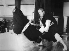 doshin so - Google Search Okinawan Karate, Marshal Arts, Hapkido, Combat Sport, Nihon, Judo, Taekwondo, Martial, Workout