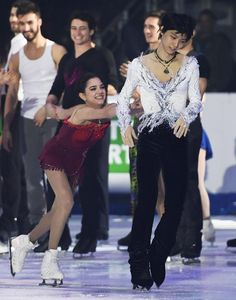 I love Figure Skating. Virtue And Moir, Tessa Virtue Scott Moir, Kim Yuna, Figure Ice Skates, Figure Skating, Sendai, Miyagi, Yuzuru Hanyu, Love On Ice