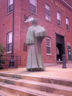 New England Travels: Millie the Mill Girl - Manchester, New Hampshire