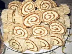 Romanian Food, Apple Pie, Deserts, Food And Drink, Favorite Recipes, Sweets, Cookies, Caramel, Image Title