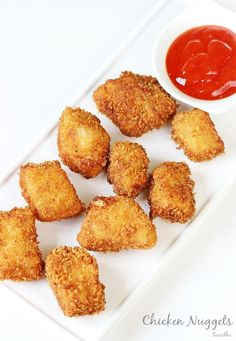 Chicken nuggets recipe - One of the popular fast foods usually made with slurry can be made at home. These taste delicious and easy to make. Fried Chicken Nuggets, Chicken Nugget Recipes, Chicken Tenders, Bread Crumb Chicken, Nuggets Recipe, Fast Foods, Fast Food Chains, Cravings, Curry
