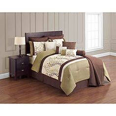 @Overstock - Create a nature-inspired oasis in your master suite with the addition of this gorgeous 12-piece comforter set featuring a vine pattern and a contemporary chocolate and green color scheme. It will be the perfect addition for a soothing space.http://www.overstock.com/Bedding-Bath/Green-and-Chocolate-12-piece-Comforter-Set/7108841/product.html?CID=214117 $114.99