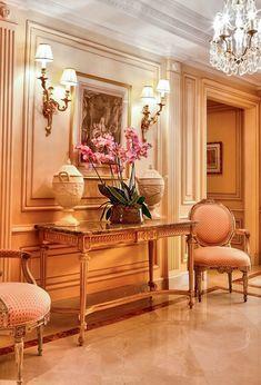 Traditional Interior, Classic Interior, French Interior, French Decor, Home Decor Furniture, French Furniture, French Country Living Room, Interior Decorating, Interior Design