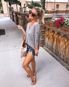 preppy summer outfits to copy now - page 1 Preppy Summer Outfits, Jeans Outfit Summer, Classy Outfits, Spring Outfits, Trendy Outfits, Fashion Outfits, Jean Short Outfits, Summer Outfits For Moms, Summer Cardigan