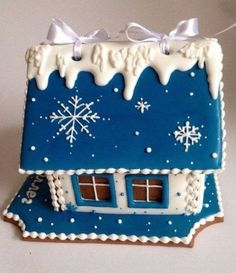 Gingerbread cottage in blue Blue Christmas, Christmas Baking, Christmas Treats, Christmas Cookies, Christmas Time, Victorian Christmas, Vintage Christmas, Christmas Ornaments, Birthday Cookies
